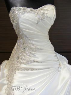 Exquisite A-line  ball gown Sweetheart ruffles  Beading Wedding Dress