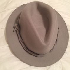 Grey Festival Hat Awesome trendy hat, perfect for summer festivals! Never been worn, perfect condition! Urban Outfitters Accessories Hats