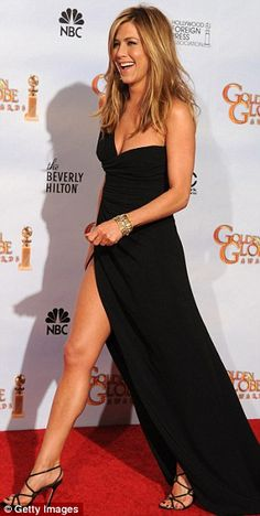 Jennifer Aniston in Valentino. She is perfect