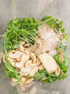 Przepis na wegańskie pesto z rukoli Chicken, Meat, Cooking, Amazing, Food, Kitchen, Essen, Meals, Yemek