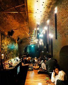 Lust auf einen neuen Geheimtipp? Die Krypt Bar im 9. ist ein absolutes Highlight am Wiener Barhimmel, das sich sehr gut versteckt hält. Highlights, Vienna, Austria, Bar, Concert, Hush Hush, Addiction, Heavens, Musik