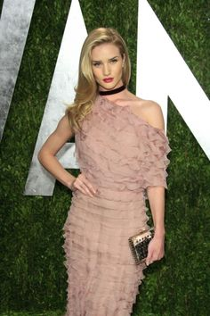 Rosie Huntington-Whiteley at the Vanity Fair Oscar Party at Sunset Tower #fashion #style #celebrity #dress #looks #redcarpet