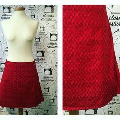 Después de todos los esfuerzos por parte de Esther aquí tiene terminada su primera falda!  #faldaevasé #redskirt