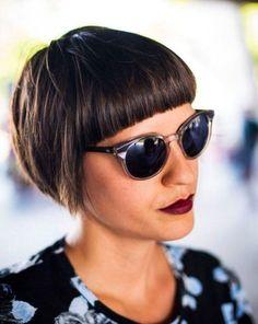 Bowl cut asimmetrico e frangetta: taglio di capelli top per l'estate 2017