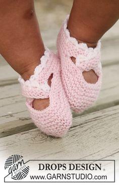 "DROPS slippers in garter st with crochet border in ""Baby Merino""."