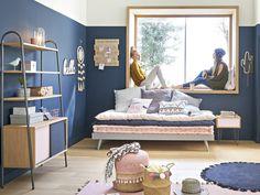 Joli Place | Une chambre d'enfant en bleu marine