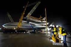 Shuttle Discovery Is Demated From SCA (201204190007HQ) by nasa hq photo, via Flickr