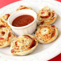 Easy Pizza Pinwheels Recipe I know you like... just made these but added spinach and man it was good :)