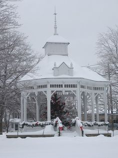Chardon, Ohio - the square - my hometown and what Chardon is known for, the snow!