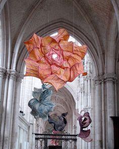 Delicate Paper Sculptures Suspended in Mid Air by Peter Gentenaar