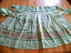 Vintage 50's Cotton Apron-Green Gingham w/CrossStitching-Great cond-So Charming!