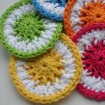 16 Different types of home made dish scrubbies!  Lot's of variety & they look pretty too!