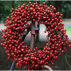 """22"""" Red Berry Wreath"""