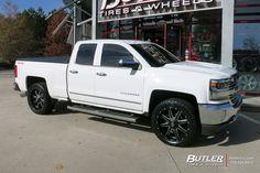 Chevrolet Silverado with 22in Fuel Maverick Wheels