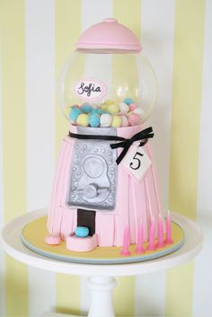 this is one crazy gumball machine cake! Gorgeous Cakes, Pretty Cakes, Cute Cakes, Amazing Cakes, Unique Cakes, Creative Cakes, Fondant Cakes, Cupcake Cakes, Teenager Party
