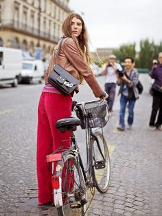 Ride your bike and turn your back. Farfetch #unfollowers