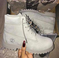 Different Types of Sneakers. I wager it is those sneakers that you use everywhere. Sneaker can be used for lots of things Heeled Boots, Bootie Boots, Shoe Boots, Ankle Boots, Shoes Heels, Cute Shoes, Me Too Shoes, Timberland Boots Outfit, Tokyo Street Fashion