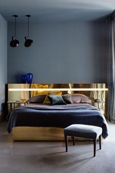 From textured throws to dark, moody schemes, the key to creating a cosy sleeping space is to go for deep drama. Settle down with the latest ideas for a beautiful winter bedroom… Luxury Homes Interior, Home Interior, Interior Design, Modern Interior, Master Bedroom Design, Home Decor Bedroom, Master Bedrooms, Bedroom Designs, Contemporary Bedroom