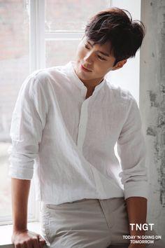 a literal angel : park bo gum : 사진 Korean Celebrities, Korean Actors, Celebs, Kim Yoo Jung Park Bo Gum, Park Bo Gum Wallpaper, Park Bogum, Kim Jisoo, Korean Star, How To Pose