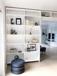 DIY - Hjemmebygget væg til væg bogreol - livingonabudgetdk