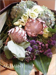 キングプロテアの花束。の画像 | ウェディングブーケデザイナーの日記