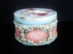 Decoupage Jars, Jewelry Box Makeover, Silver Jewelry Box, Diy Box, Bottle Crafts, Box Art, Biscuit, Antique Silver, Mixed Media