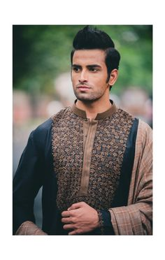 Mixed patterns on sherwanis are a little tricky to select. But it's a great idea for you to play with the latest sherwani trends. We saw top wedding sherwanis in the designer collections with mixed patterns – combining floral and geometrical. Add a dupatta and pair them with loose or chooridar pants
