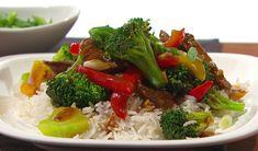Sauté de bœuf au brocoli et riz basmati Food Dishes, Main Dishes, Confort Food, Stir Fry, Cobb Salad, Broccoli, Vegetables, Ethnic Recipes, Desserts