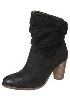 CALVIN - Boots - black