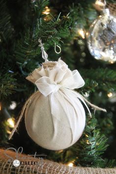 DIY Christmas Ornament ~ Easy Fabric Balls diy ornament (old christmas ornament covered with fabric) Hallmark Christmas Ornaments, Diy Christmas Gifts, Rustic Christmas, Simple Christmas, Christmas Tree Decorations, Christmas Holidays, Diy Ornaments, Fabric Ornaments, Christmas Porch