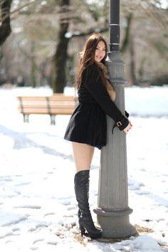 Thigh High Boots Heels, Girls Uniforms, Cute Asian Girls, Beautiful Asian Women, Asian Woman, Fashion Boots, Black Boots, Girl Outfits, Female