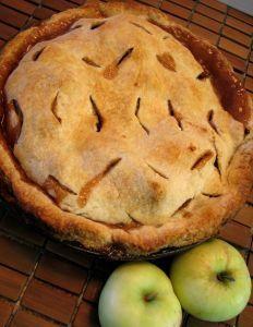Traditional English Apple Pie � Crystal Woroniuk