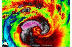Psychedelic Night Shot of Cyclone Felleng : Discovery News