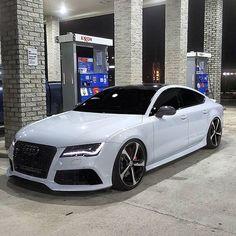 ideas for luxury cars audi Luxury Sports Cars, Top Luxury Cars, Audi R8, Lexus Lfa, Audi Sport, Sport Cars, Fancy Cars, Cool Cars, Dream Cars