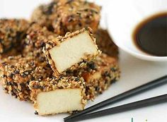 Tofu panierowane w sezamie Chili Con Tofu, Food L, Oysters, Banana Bread, Stuffed Mushrooms, Cooking Recipes, Mantel, Desserts, Asian Cuisine