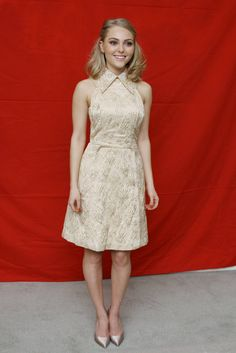 """The Carrie Diaries"" star AnnaSophia Robb wears a SS13 runway Peter Som dress."