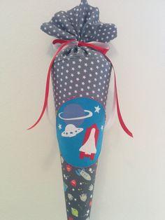 Schultüte aus Stoff - (Kissen)  Weltraum Rakete von Zweigstelle Stadtatelier Eisvogel auf DaWanda.com