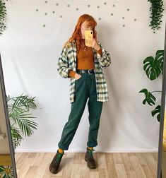 Which look is your favourite Autumnal mom jeans in every colour - These are all vintage and will be for sale on mai.bees this Vintage Outfits, Vintage Jeans, Retro Outfits, Grunge Outfits, Fall Outfits, Casual Outfits, Art Hoe Aesthetic, Aesthetic Clothes, Aesthetic Outfit