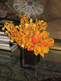 One of the weekly flower arrangements we provide for client's residences with #NYC fresh cut flowers. The deep oranges bring an autumn feel to the space.