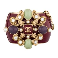Pre-owned Chanel Gripoix Enamel Cuff (31,880 MXN) ❤ liked on Polyvore featuring jewelry, bracelets, accessories, bags, gold tone cuff bracelet, black bracelet, bracelet bangle, hinged cuff bracelet and tri color bracelet