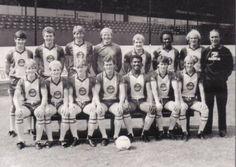 BRADFORD-CITY-FOOTBALL-TEAM-PHOTO-1983-84-SEASON