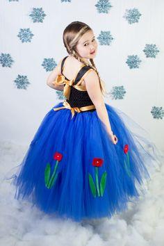 Anna Frozen Dress...Princess Tutu por TutullyCuteDesigns en Etsy