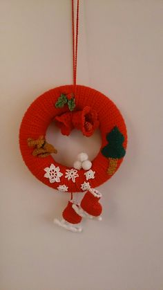 Crochet Christmas Wreath, Crochet Christmas Decorations, Christmas Crochet Patterns, Christmas Knitting, Xmas Decorations, Christmas Picks, Homemade Christmas Cards, Diy Christmas Gifts, Christmas Crafts