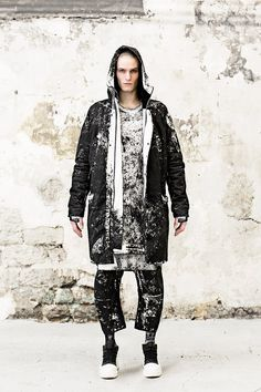 """The Fall/Winter 2015 collection of 11 by Boris Bidjan Saberi titled """"Snow Bleach"""", explores the aesthetic of mountain soldiers and the mimicry with their surroundings. It's a research on relief and texture contrasts, through padded volumes and a... »"""