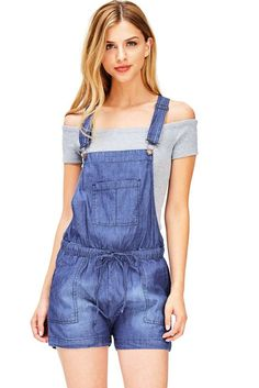 Denim short overalls with center chest pockets on the front and traditional straps with clasp closures. Pockets on the front with a drawstring waist. Looks great paired with crop tops. Denim Overalls Outfit, Short Overalls, Denim Outfits, Fashion Games, Women's Fashion, S Models, Short Outfits, Jumpsuits For Women, Overall Shorts