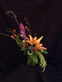 Contemporary line floral arrangement