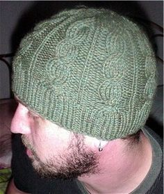 cables for men and women //Free Ravelry pattern.