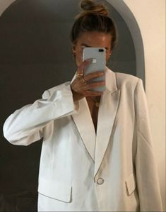 From work dresses and skirts to jackets and pants, you will discover stylish work outfits with these Fashion Killa, Fashion Beauty, Girl Fashion, Fashion Outfits, Womens Fashion, Stylish Work Outfits, All White Outfit, Business Outfits, Get Dressed