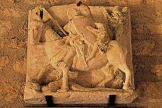 St-Léon sur Vézère (Dordogne) - Eglise St-Léonce - bas relief représentant St-Georges