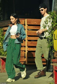 Vanessa Hudgens and Austin Butler enjoy a lunch date in LA   Daily Mail Online